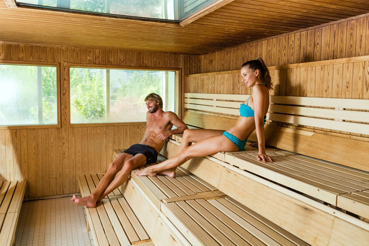 Coneixes els orígens i els beneficis de la sauna?