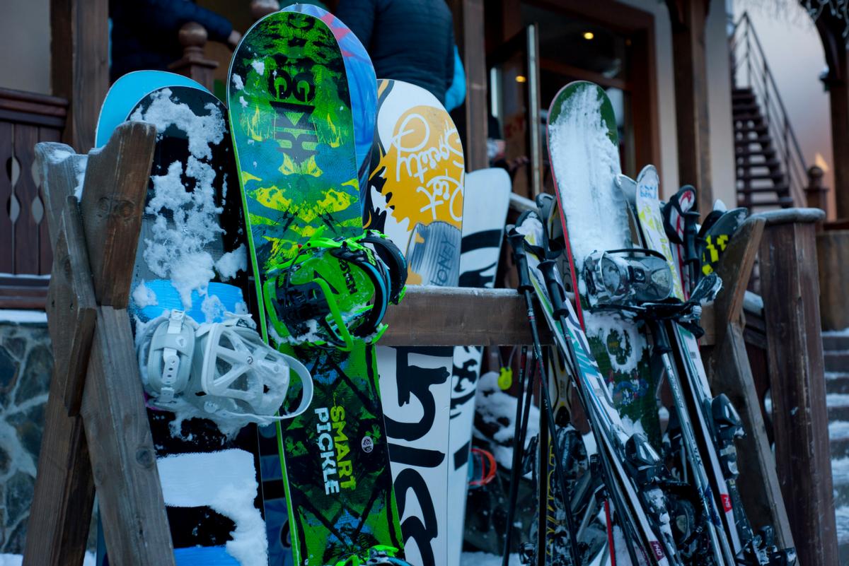 El material imprescindible para tu día de esquí o de sno …