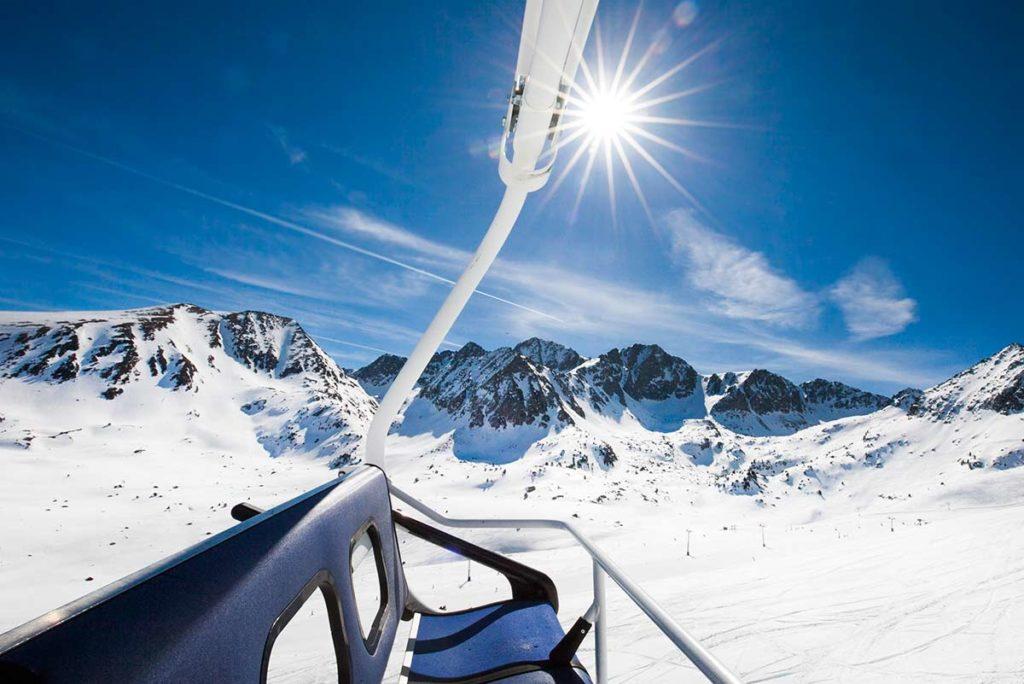 Disfruta de la nieve y el esquí en Andorra