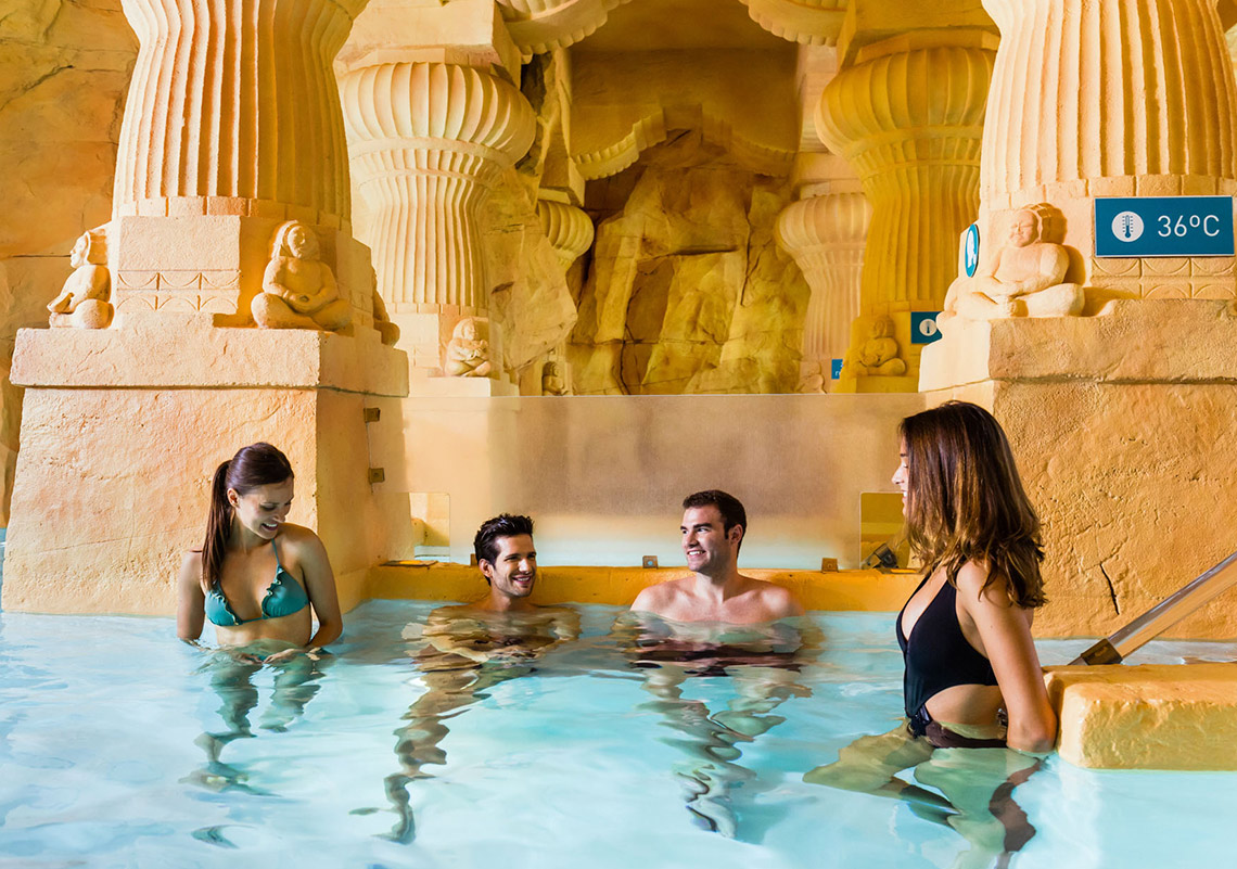 Baths inspired by ancient caves? Only at Caldea!