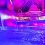 Les eaux thermales du spa la nuit