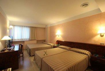 hotel-delfos-les-escaldes-engordany-050.jpg