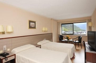 kyriad-andorra-comtes-d-urgell-hotel-habitacion-4317967.jpg